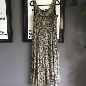 Aeropostale long maxi daisy sundress 🌻
